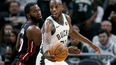 'We're very appreciative:' Bucks player Khris Middleton donates $25K to MPS COVID-19 Relief Fund